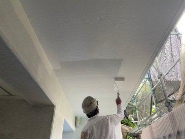 2021/6/29 軒裏天井上塗り作業1回目