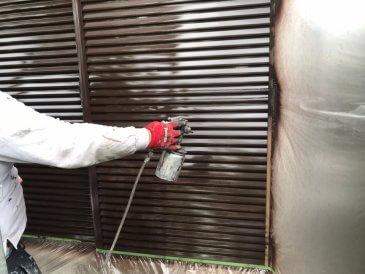 2021/5/17 雨戸塗装作業2回目