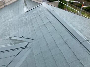 屋根上塗り作業2回目