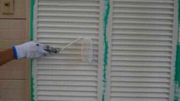 2021/6/25 雨戸塗装作業2回目